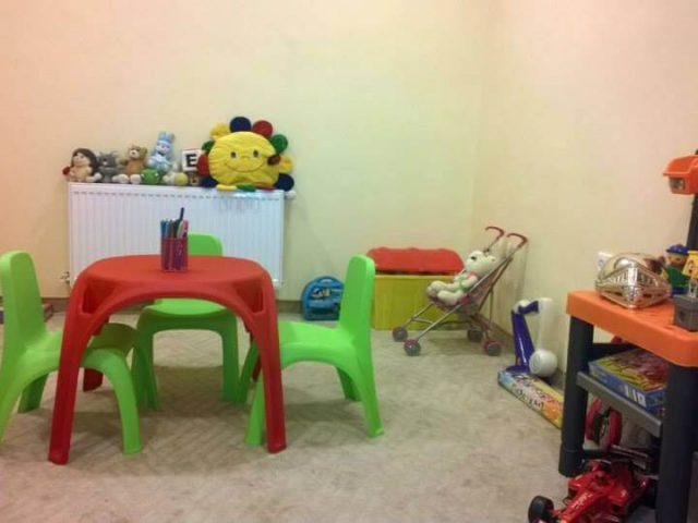 children-table