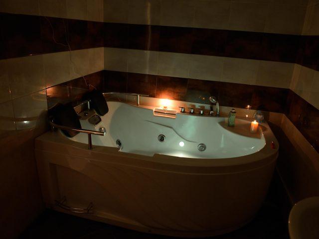 hot-tub-night