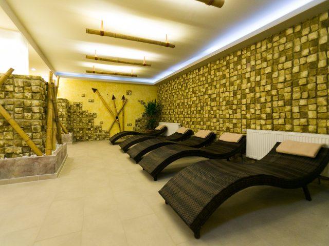 relaxing-sauna-min