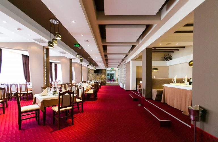Spa_Hotel_Restaurant-min